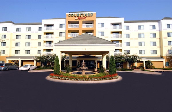 Jhm Hotels Names Marriott Courtyard On The Parkway Hotel Of The Year