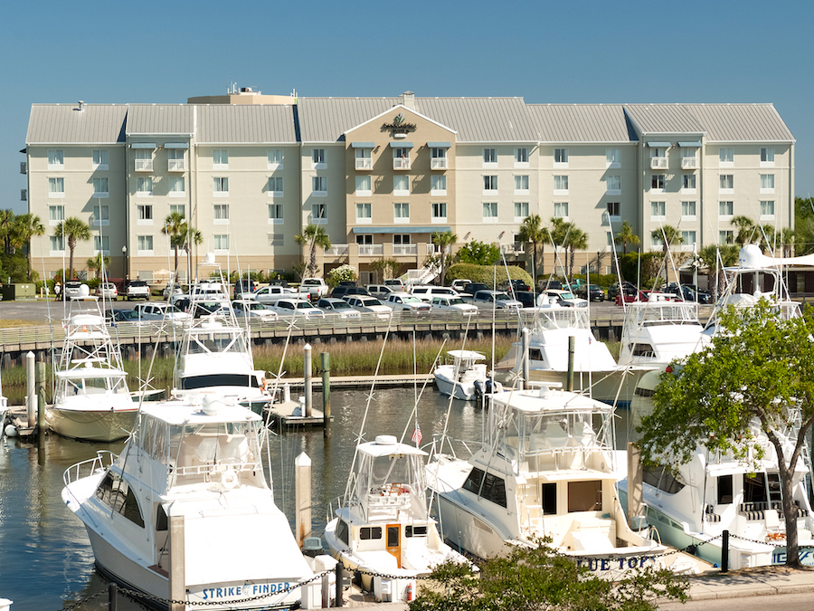 SpringHill Suites Charleston Riverview Exterior & Boats