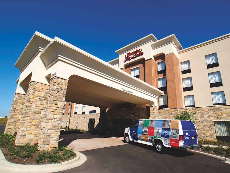 Hampton Inn & Suites Deer Park Hotel Exterior