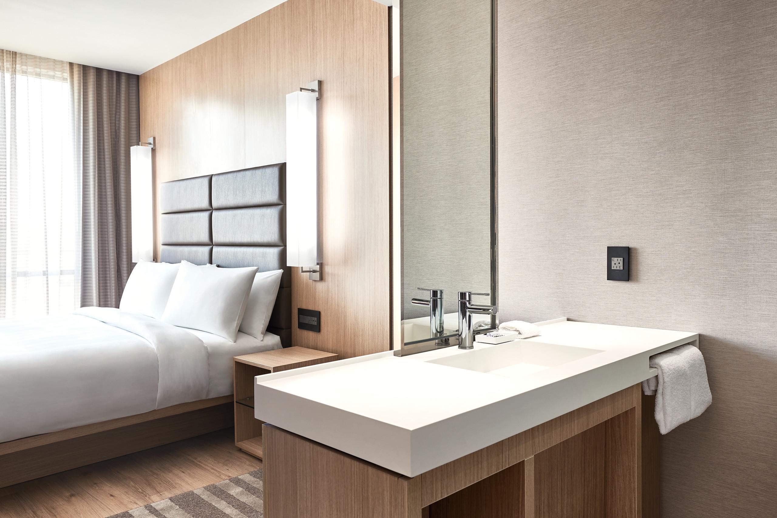 AC_Frisco_Guest Room