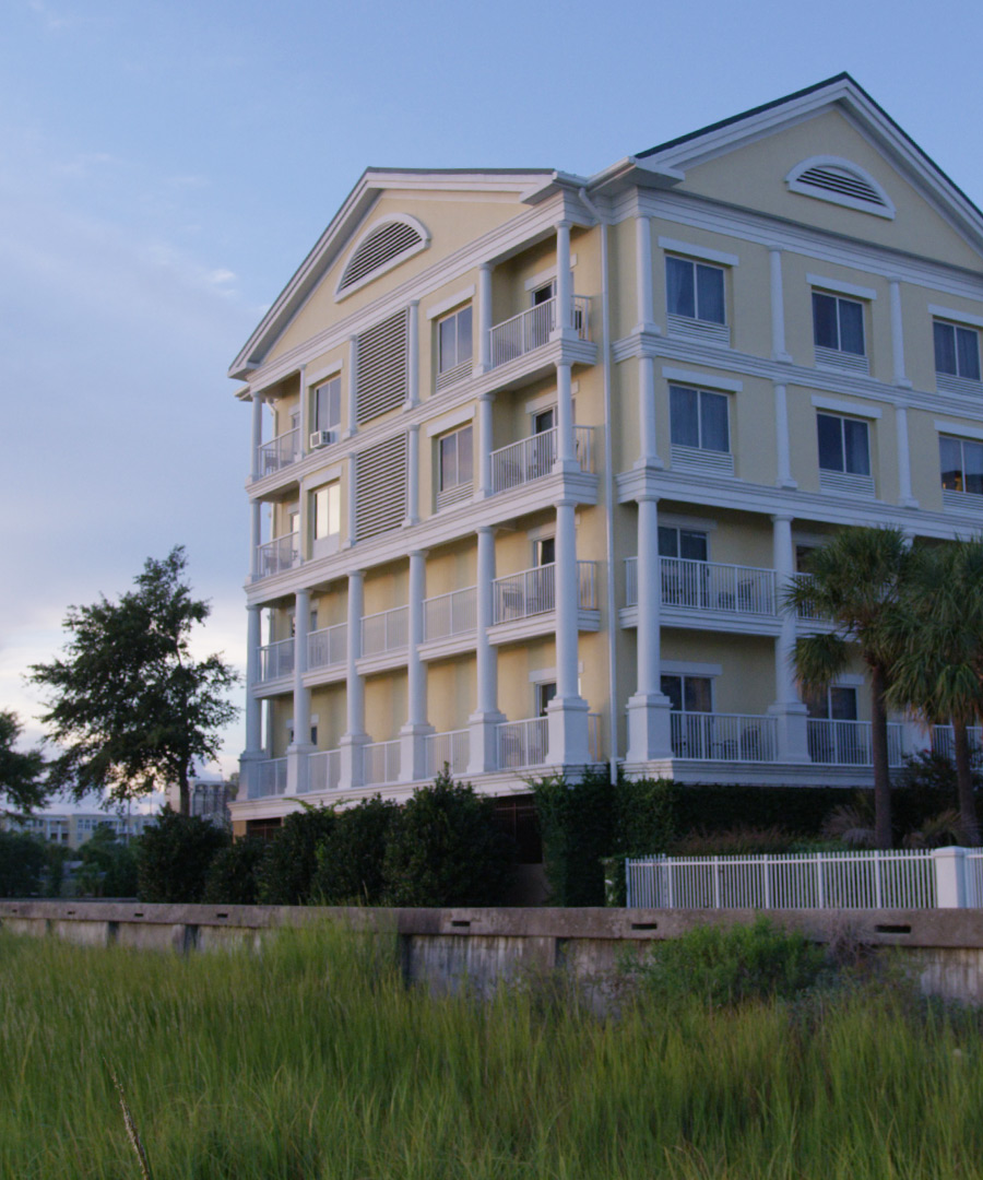 https://www.aurohotels.com/wp-content/uploads/Courtyard-by-Marriott-Charleston-Waterfront-Gallery-Photo-3-1.jpg