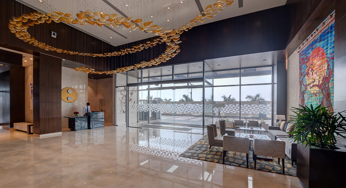 https://www.aurohotels.com/wp-content/uploads/Courtyard-by-Marriott-Surat-India-Page-Photo.jpg