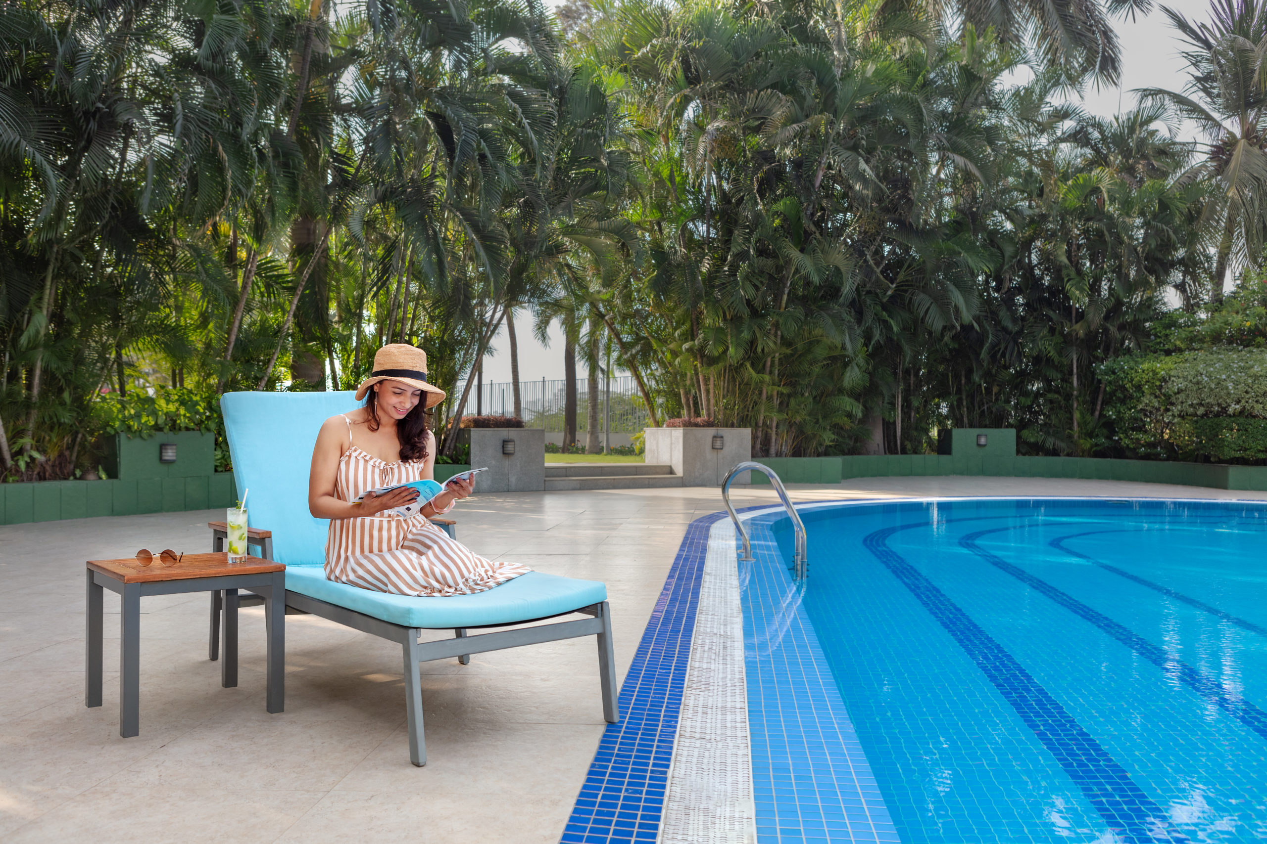 https://www.aurohotels.com/wp-content/uploads/MH_STVMC_experential_poolside-scaled.jpg